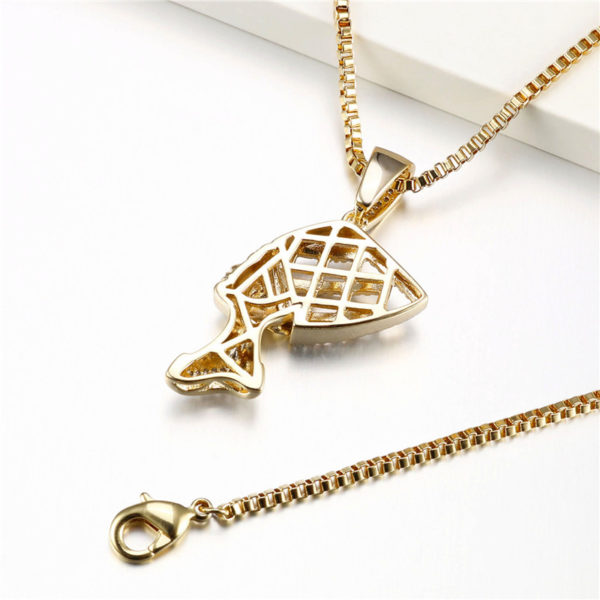 Queen Nefertiti Necklace gold cz diamond cut