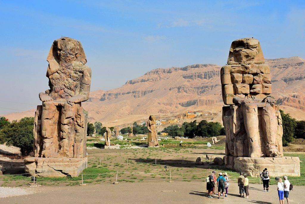Colossi_of_Memnon